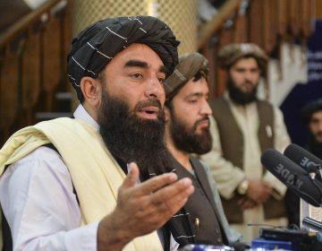 Afganistán: los talibanes se comprometen a respetar a mujeres y prensa 'bajo el marco de la ley islámica'