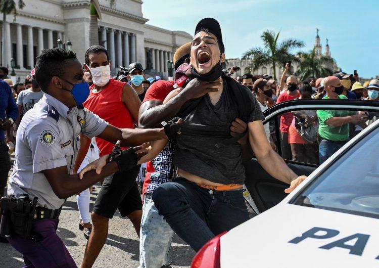 EU sanciona a tres altos funcionarios de Cuba por 'represión' durante protestas
