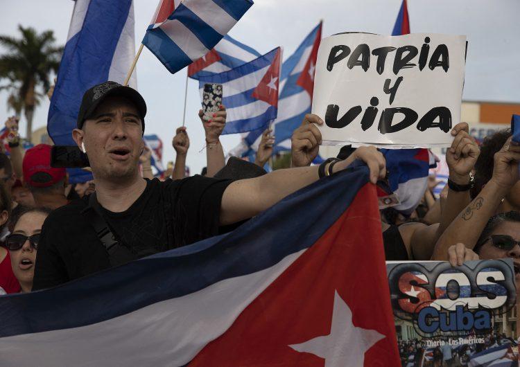 Cuba tipifica como delitos la 'subversión social' y difusión de noticias 'falsas' en internet