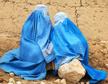 La situación de mujeres y niñas afganas motiva discurso 'islamófobo', dicen expertos