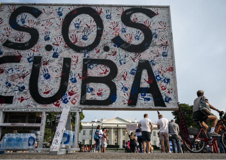 EU impone sanciones a altos funcionarios y unidades militares de Cuba por violencia en protestas