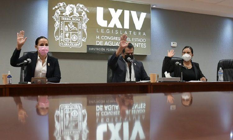 Pide licencia a su cargo la diputada local Mónica Becerra para asumir curul federal