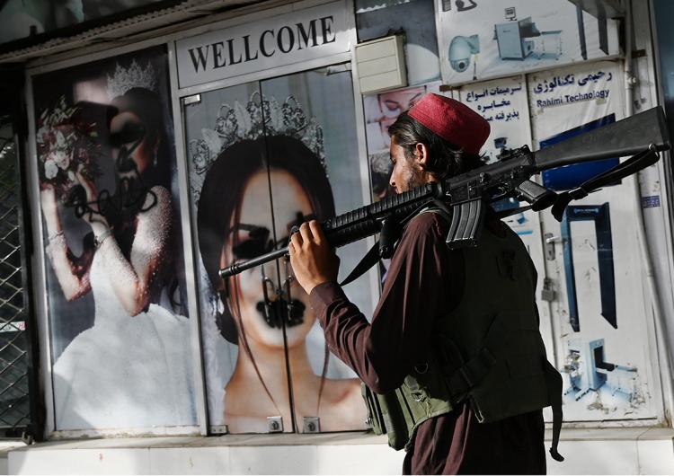 Afganistán: los símbolos se transforman