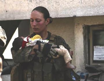 Funerales para Nicole Gee, infanta de marina muerta en la explosión de Kabul, recauda 140,000 dólares