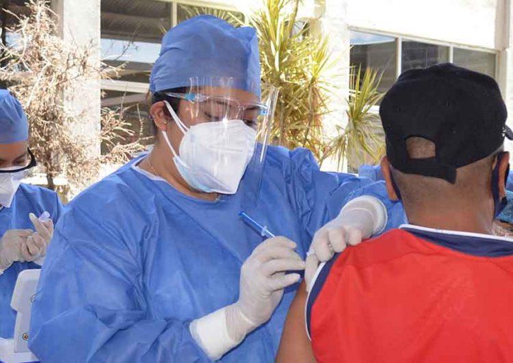 Puebla se quedó sin vacunas anti Covid; hoy se aplicarán las últimas 50 mil dosis