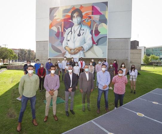 Develan mural en honor a los brigadistas de la UAA en vacunación anti-Covid