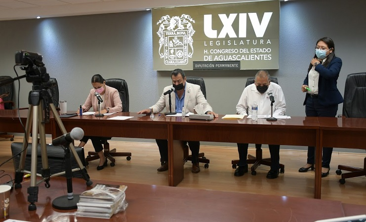 Dan entrada a iniciativas en sesión de la Diputación Permanente de Aguascalientes