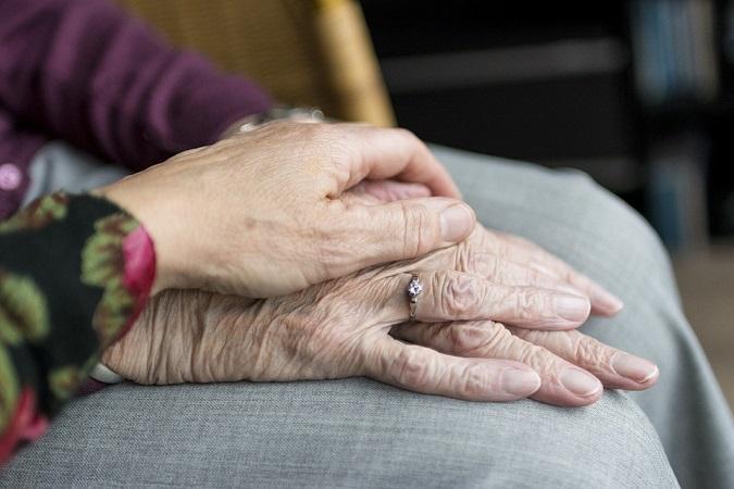 Atiende DIF Estatal 77 casos de abandono y maltrato de adultos mayores