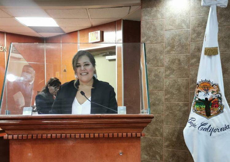Designan a Julia González presidenta de la Comisión de Presupuesto yHacienda en congreso de BC