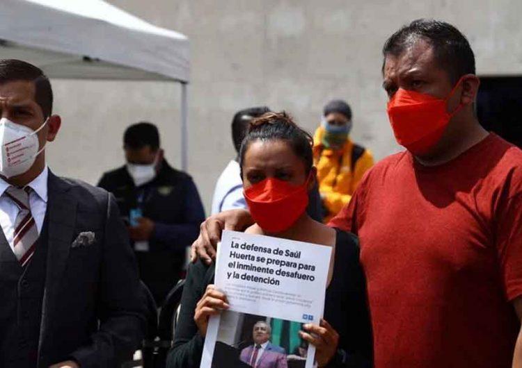 Padres de menor temen que legisladores protejan a Saúl Huerta