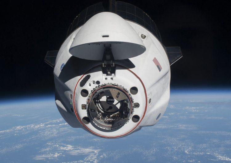 Tripulación de SpaceX estará integrada por novatos y sin ningún astronauta profesional a bordo