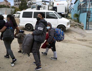 EU perdió contacto con miles de niños migrantes liberados; una de cada 3 llamadas telefónicas no fueron respondidas