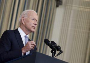 EU: Biden promete hacer 'pagar' a agentes fronterizos que reprimieron a migrantes haitianos