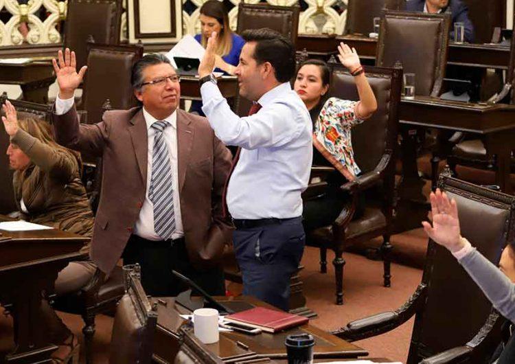 Se jalonean en el Congreso de Puebla por Comisiones legislativas