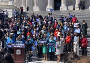 Congreso de EU vota a favor de ley que protegerá el derecho a la atención del aborto
