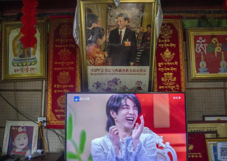 China ordena 'poner fin' a imágenes de 'hombres afeminados' y otras 'anomalías estéticas'