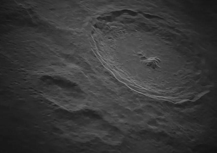 Asombrosa foto muestra un cráter lunar provocado por un asteroide hace 108 millones de años