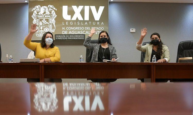 Aprueban licencia de separación en el cargo a la diputada Mónica Becerra