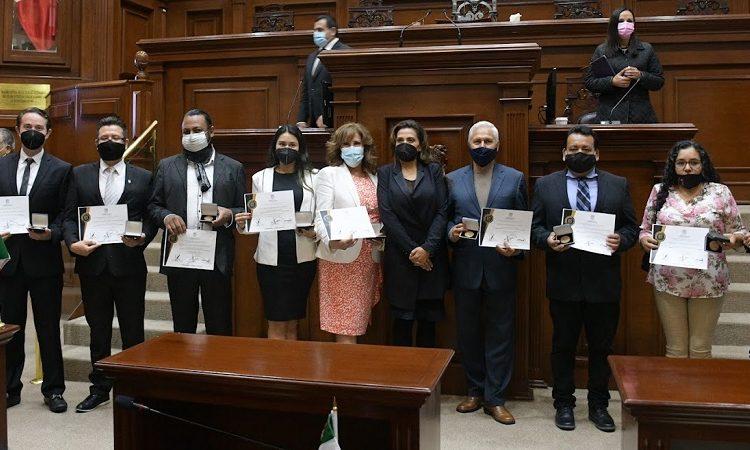 Entrega Congreso Estatal medallas a aguascalentenses destacados