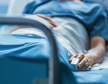 Hombre que padeció covid-19 en dos ocasiones ahora sufre síndrome de estrés postraumático