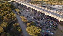 Unos 1,400 haitianos han sido expulsados de EU y 3,200…