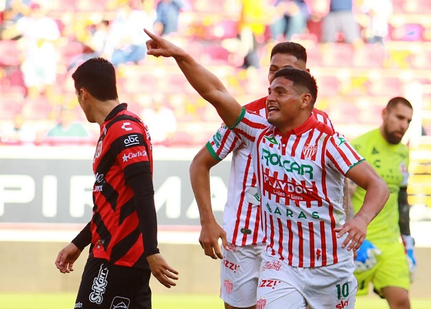 Con nuevo técnico, Necaxa vence a Xolos 3-0