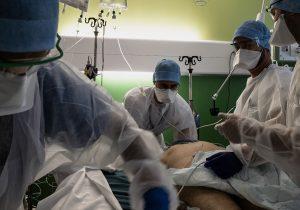 Una alta tasa de vacunación probablemente no detenga la pandemia: OMS