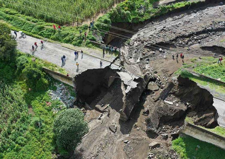 Por caída de puente quedan incomunicados por la carretera federal Guadalupe Victoria y Tlachichuca