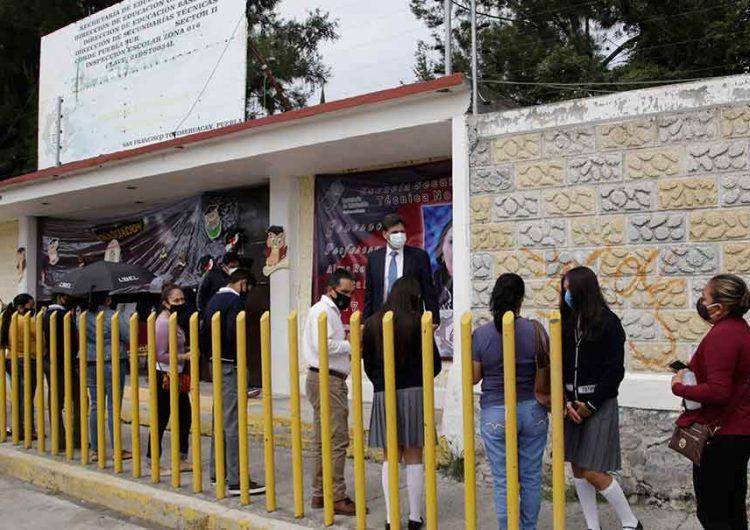 Reporta Salud 33 casos positivos y 45 casos sospechosos Covid en escuelas de Puebla