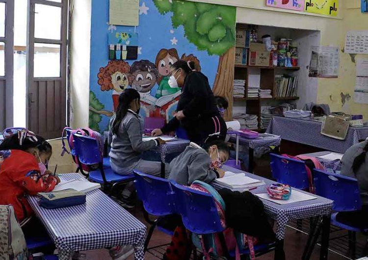Suman 10 contagios Covid por el regreso a clases presenciales en Puebla