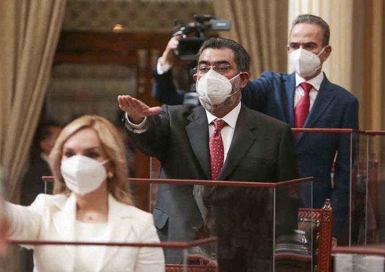 Toman protesta 41 diputados en Puebla