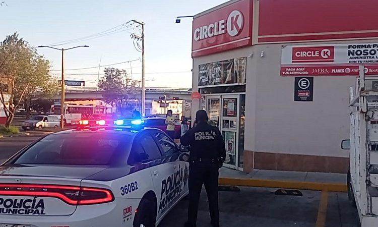 Muere mujer de 63 años al interior de una tienda de conveniencia en Aguascalientes
