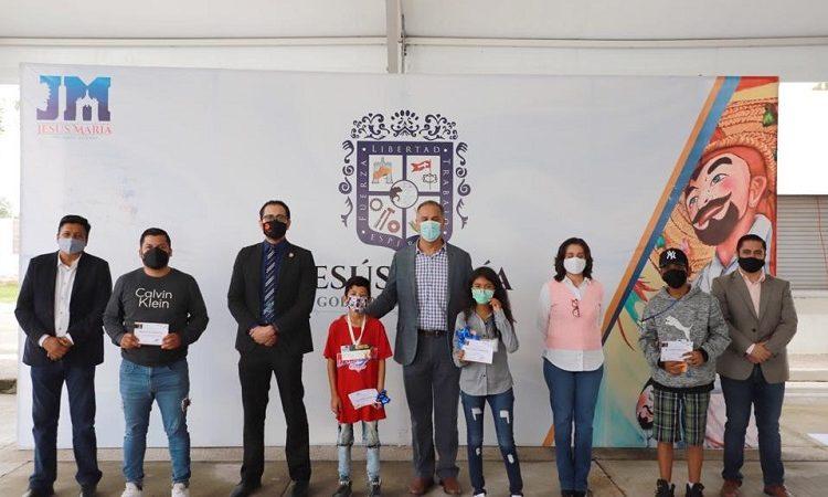 Entregan premios a ganadores de concurso de ajedrez en Jesús María