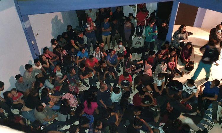 Rescatan a 300 migrantes indocumentados hacinados en una vivienda en Aguascalientes