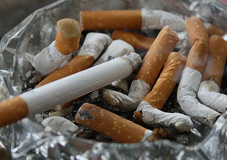Fumadores tienen 80 por ciento más probabilidades de ser hospitalizados por covid-19: estudio