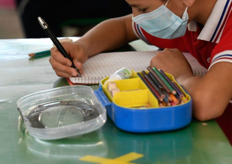 Coahuila se convierte en el primer estado en vacunar contra covid-19 a menores de 12 a 18 años