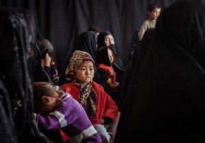 Afganistán: en protestas, talibanes usan látigos y disparan sobre las cabezas de las mujeres, denuncia ONU