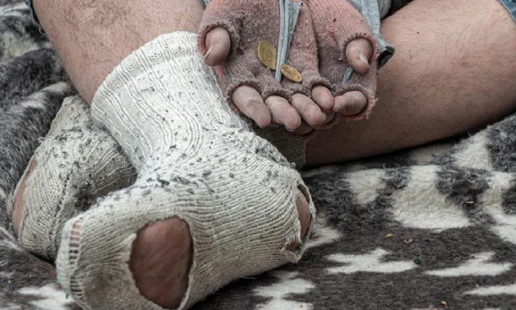 Darán 36 horas de arresto a adultos que usen niños para mendicidad en Aguascalientes