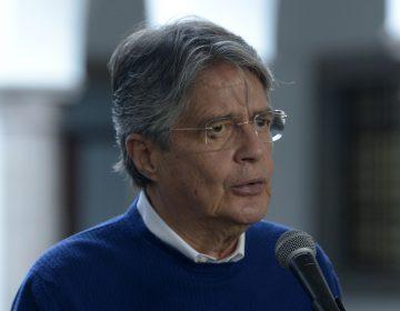 Presidente de Ecuador renuncia al secreto bancario para que se le investigue tras Papeles de Pandora
