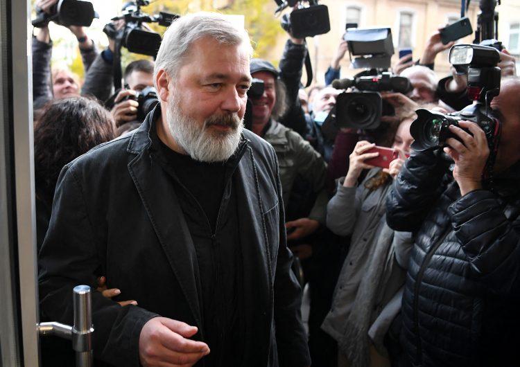 Premio Nobel de la Paz no protege al periodista Muratov de su estatus de 'agente del extranjero': Putin