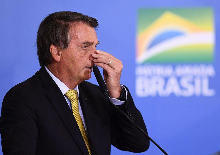 Senado aprueba informe que inculpa a Bolsonaro de crímenes por pandemia; 'es una payasada', revira el presidente