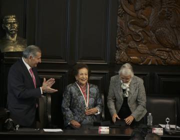 Ifigenia Martínez recibe medalla Belisario Domínguez: 'México es nuestra casa y causa común'