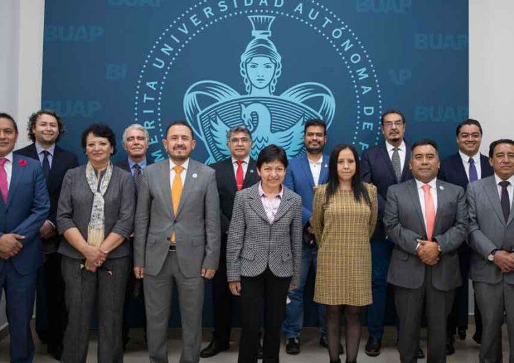 Lilia Cedillo, rectora de la BUAP, conforma a su equipo