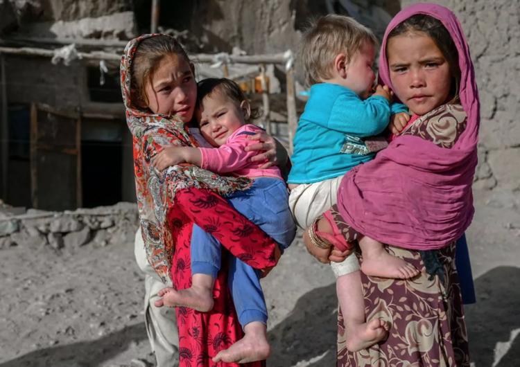 La mitad de los niños de Afganistán corre riesgo de desnutrición por escasez de alimento