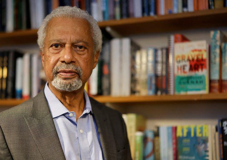 'La ausencia de obra en español del Nobel de Literatura, muestra del racismo editorial'