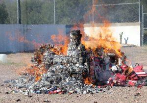 Destruye Regulación Sanitaria cigarros y medicamentos ilegales en Aguascalientes