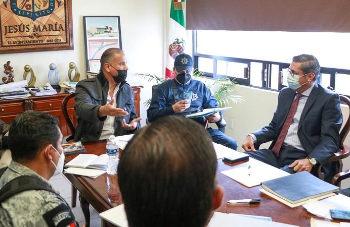 Se reúne alcalde de Jesús María con autoridades de seguridad pública