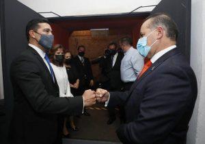 Asiste Martín Orozco a toma de protesta del alcalde de Aguascalientes