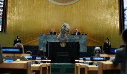 Desde el podio de la ONU un dinosaurio exige a…