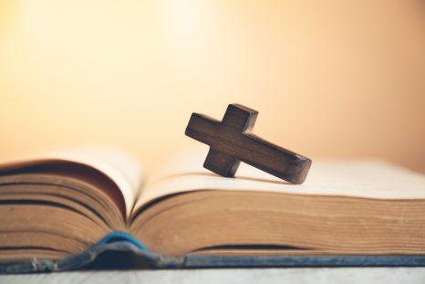 Informe: 216,000 menores fueron agredidos sexualmente por parte de sacerdotes y religiosos en Francia